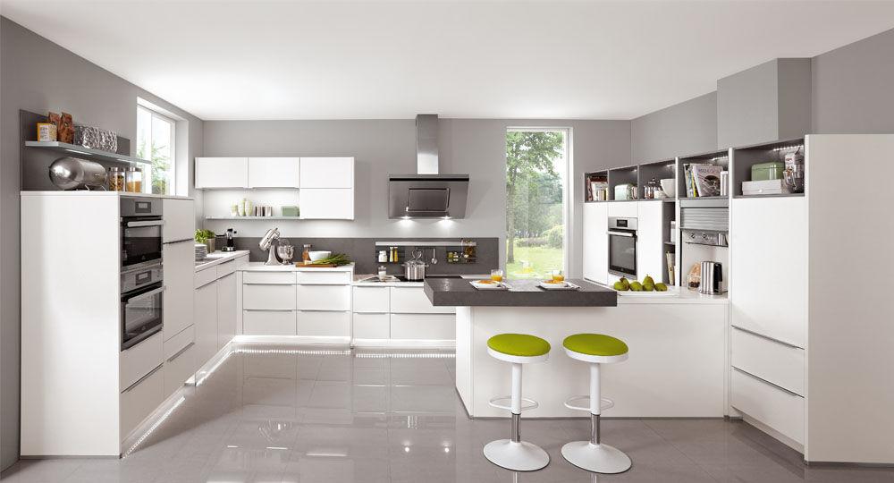 Möbelfolie in weiß & hellbeige in Küche