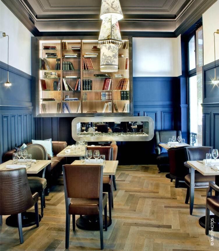 Sitzgelegenheiten bepolstert mit skai Kunstleder im Restaurant Continental Hôtel, Reims