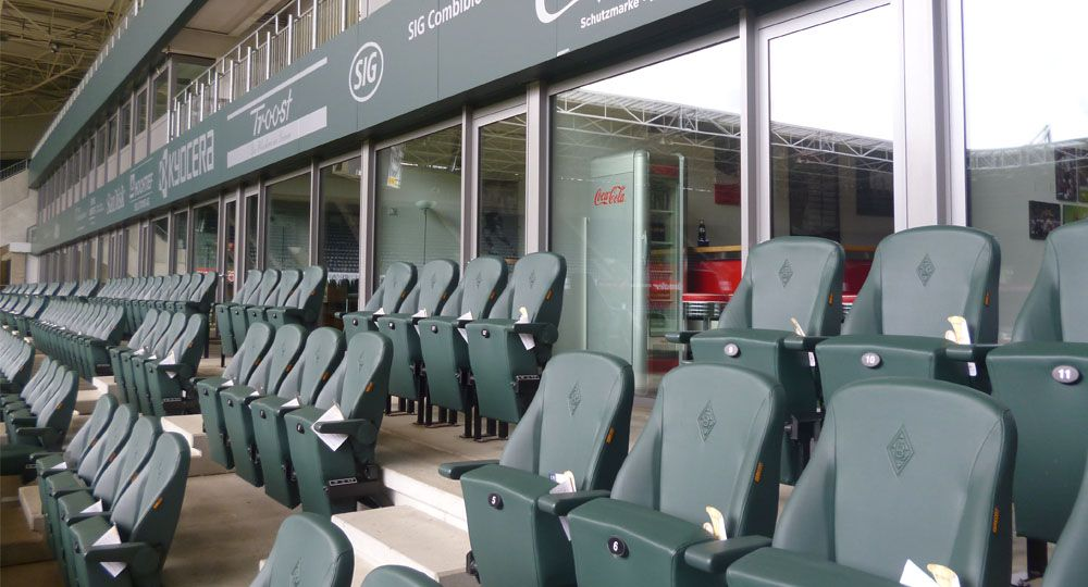 Artificial leather from skai® in green & olive in stadiums